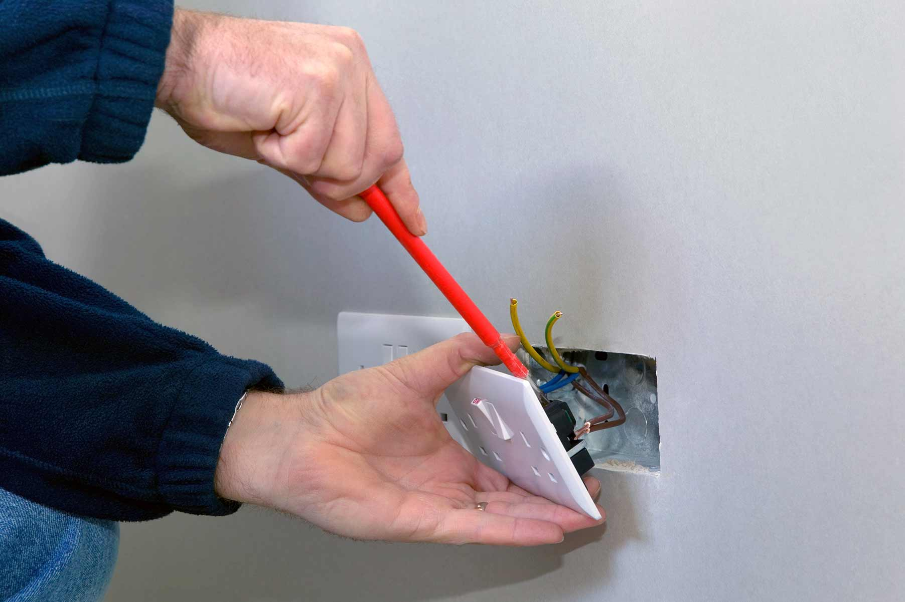 Our electricians can install plug sockets for domestic and commercial proeprties in East Molesey and the local area.